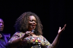 DIANNE REEVES tra jazz song e bossanova